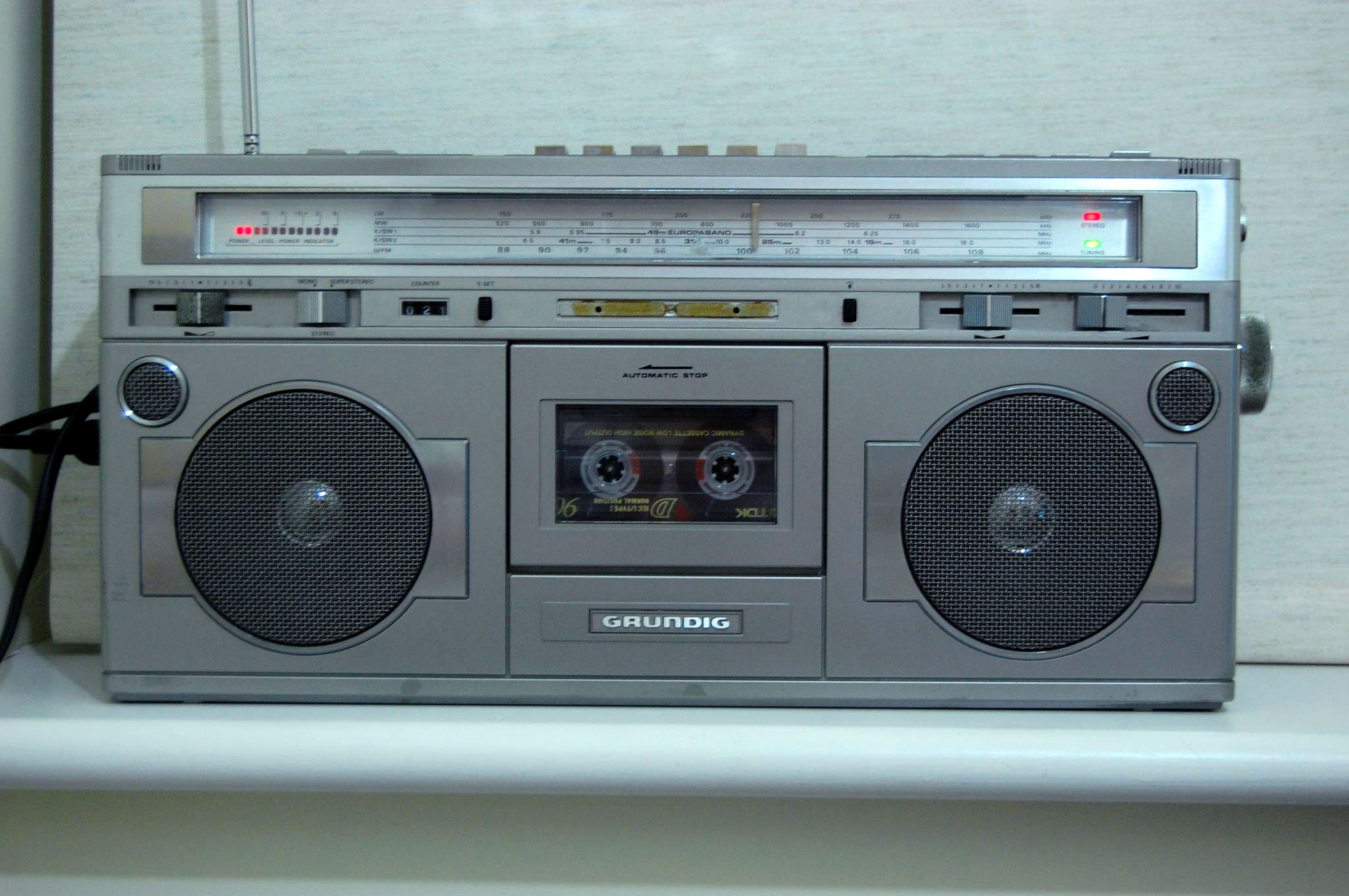 Hacking a line-in socket into an 80s radio and cassette player ...